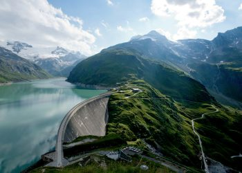 "Volkswagen offers customers many ways to ""fill up"" their electric car with climate-friendly electricity – here the hydroelectric power station in Kaprun (Austria)."